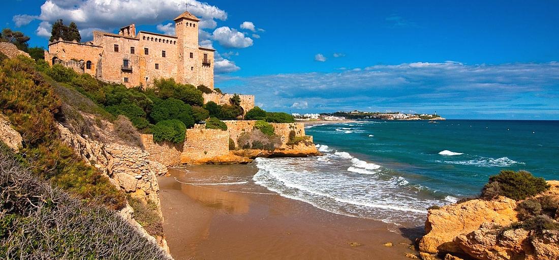 Что лучше выбрать для отдыха в Испании: Малага или Барселона?