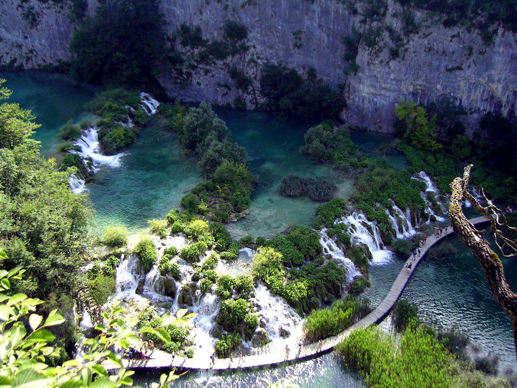 Десять самых больших заповедников и национальных парков мира