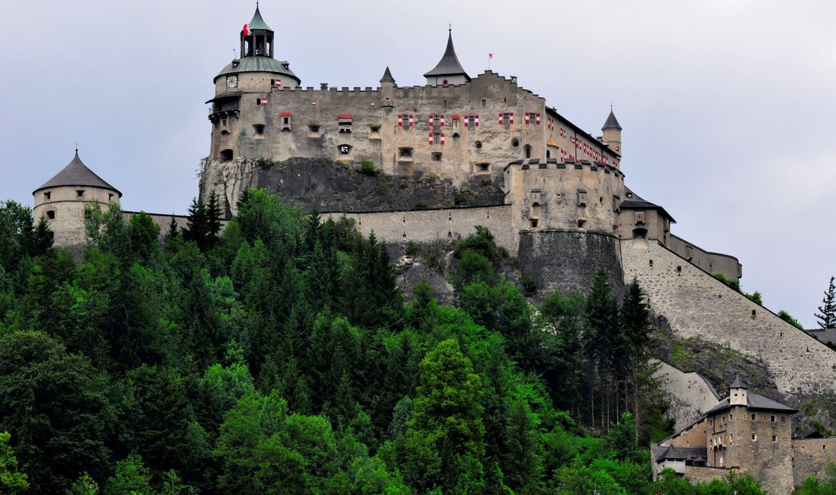 Десять самых старых замков мира