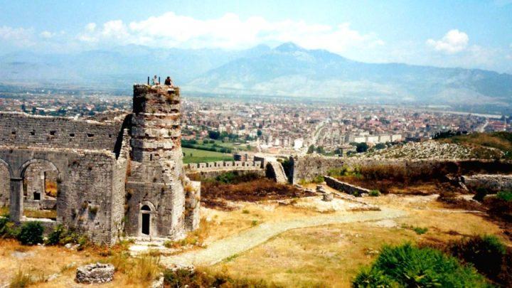 Древняя крепостьРозафа