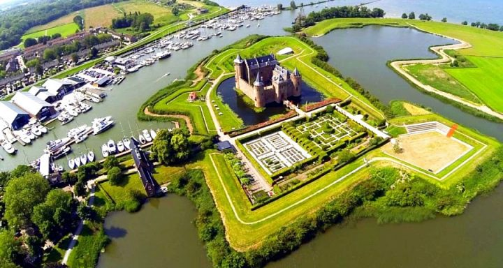 Романская крепость 13 века