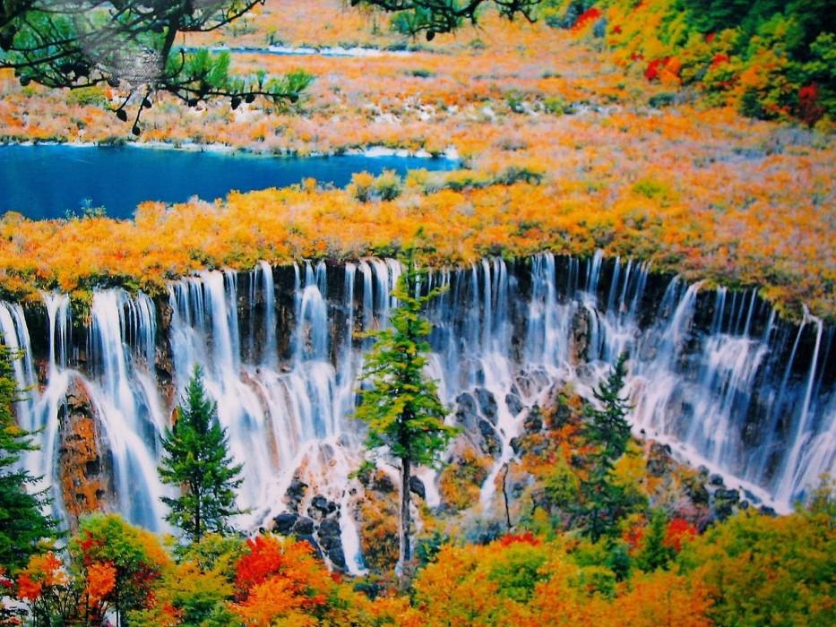 Волшебная долина Цзючжайгоу в Китае